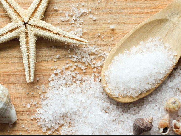 garam-laut-mencegah-jerawat